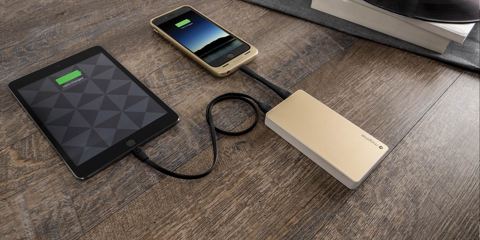 mophie powerstation XL charging multiple devices
