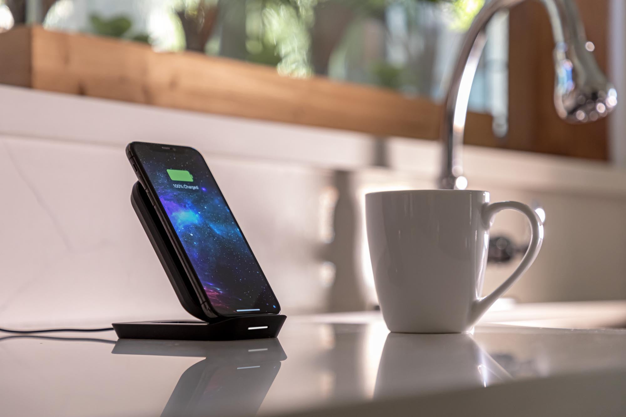 wireless charging stand 4
