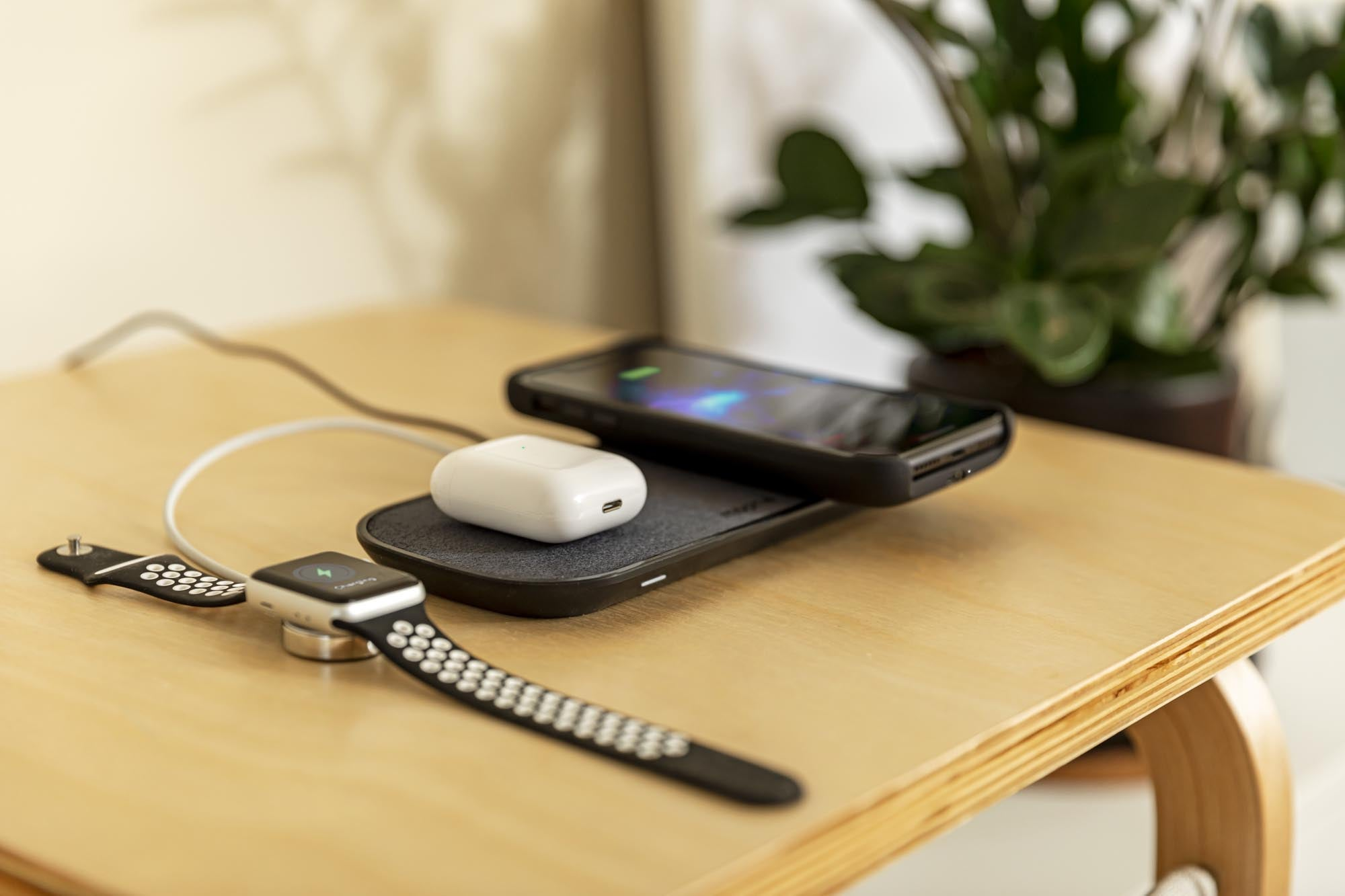 PDP Lifestyle - dual wireless charging pad 3