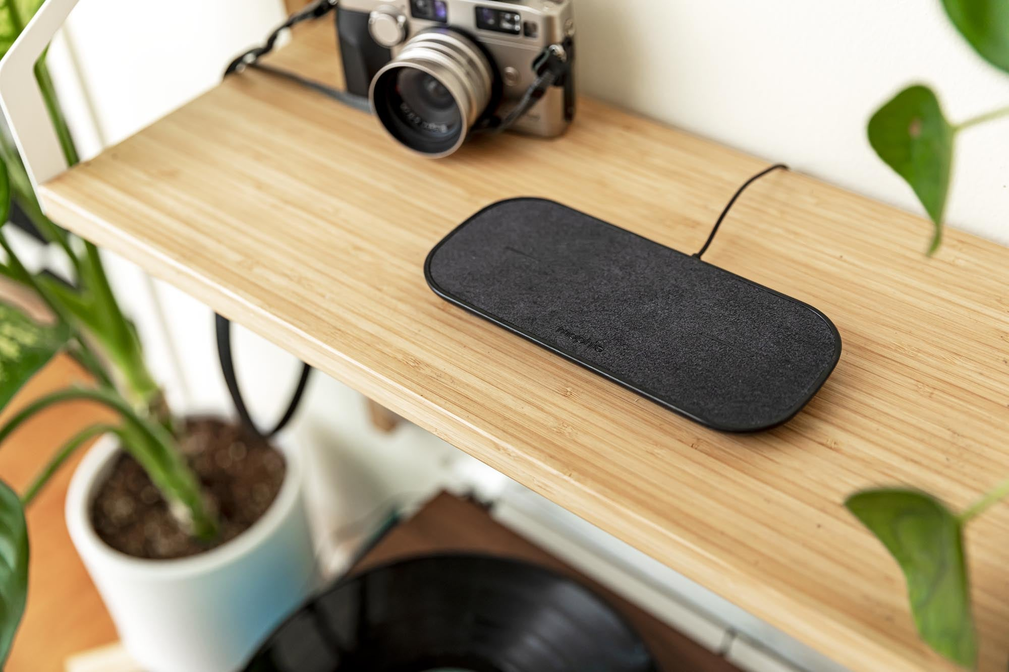 PDP Lifestyle - dual wireless charging pad 5