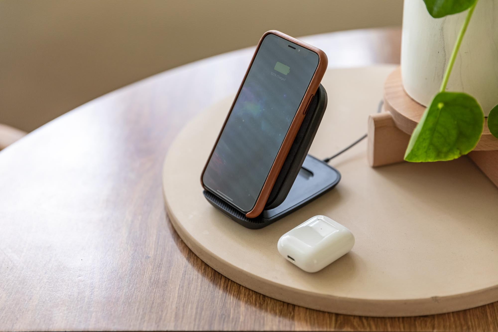 PDP Lifestyle - wireless charging stand 7